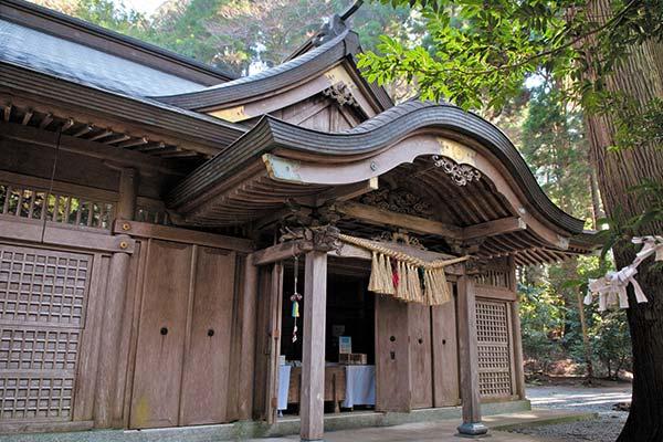 Kushifuru Shrine